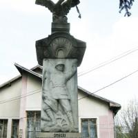 Retevoiești - Monument în cinstea eroilor din satele Retevoiești și Gănești căzuți în Primul Război Mondial 1916-1918 și în Al Doilea Război Mondial 1941-1945