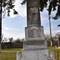 Măcăi - Monumentul Eroilor din Primul și al Doilea Război Mondial