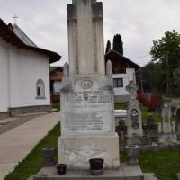 Valea Popii - Monument comemorativ dedicat Eroilor Primului și al Doilea Război Mondial - Stele funerare