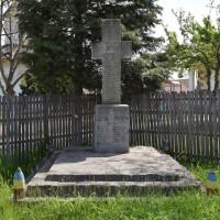 Borlești - Monumentul Eroilor căzuți în primul și al doilea război mondial