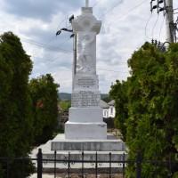 Bădești - Monument în cinstea eroilor căzuți în Primul Război Mondial 1914-1918 și în Al Doilea Război Mondial 1941-1945