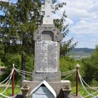 Valea Brazilor - Cruce memorială pentru Eroii căzuți în Primul Război Mondial și în Al Doilea Război Mondial