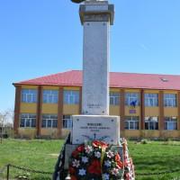 Miroși - Monumentul Eroilor căzuți în primul și al doilea război mondial