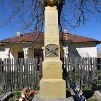 Podu Broșteni - Monumentul Eroilor căzuți în primul și al doilea război mondial