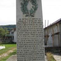 Slănic - Cruce dedicată eroilor căzuți în Primul Război Mondial (1916-1918) și în Al Doilea Război Mondial (1941-1945)