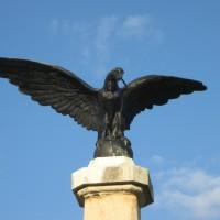 Schitu Golești - Monument în cinstea eroilor căzuți în Primul Război Mondial (1916-1918) și în Al Doilea Război Mondial (1941-1945)