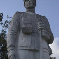 Jugur - Monumentul Eroilor