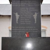 Cătanele - Cruce monument dedicată eroilor căzuţi în primul război mondial (și al doilea)