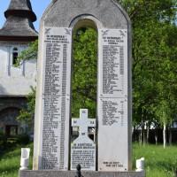 Valea Danului - Monument în cinstea eroilor căzuți în Primul Război Mondial 1916-1918 și în Al Doilea Război Mondial 1941-1945