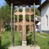 Șuici - Troiță de lemn dedicată eroilor căzuți în primul război mondial (și al doilea)