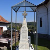 Capu Piscului - Monument comemorativ dedicat Eroilor Primului și al Doilea Război Mondial