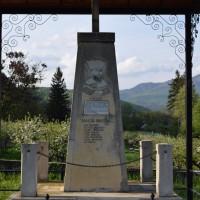Sălătrucu de Jos - Monument dedicat eroilor căzuți în primul război mondial