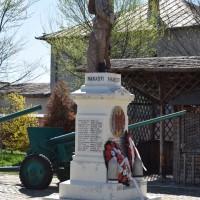 Stolnici - Monumentul Eroilor căzuți în primul și al doilea război mondial