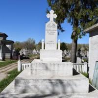 Stolnici biserica - Monumentul Eroilor căzuți în primul și al doilea război mondial