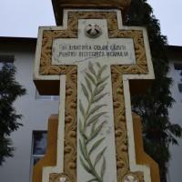 Izvoru - Monumentul Eroilor căzuți în Primul și al Doilea Război Mondial