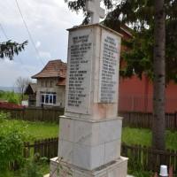 Purcăreni - Cruce memorială pentru Eroii căzuți în Primul Război Mondial și în Al Doilea Război Mondial